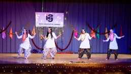 Stuti Aga Bollywood dance - Chaiyya Chaiyya- Dil Se