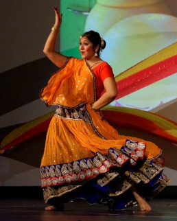 Stuti Aga Bollywood dance - Radha - Student of the Year