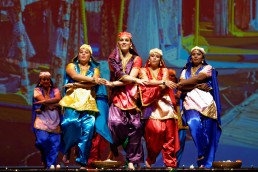 Stuti_Aga_Bhangra_folk_Europe_Switzerland_Punjab_North_India