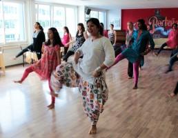 Stuti Aga Bollywood dance class